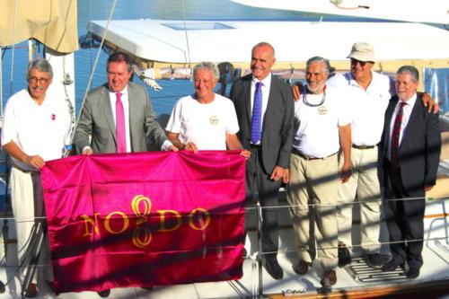 5.-Con el alcalde y la enseña de Sevilla