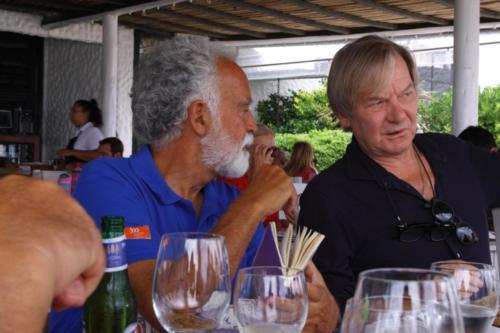 21.- El Capitan y el Embajador en Uruguay