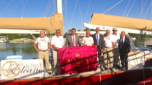 4.-Agnyee con el  Alcalde de Sevilla