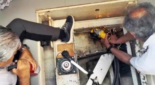 8.-Reparacion del timón automático